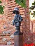 Monument To The Little Upriser