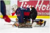 VE1101154-0214-hockey AA.jpg