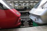 Trains meet at HAKATA stn. @f4