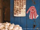 garlic, safron, red hand, Essaouira