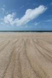 Beach stripes and cloud (DSC4086)
