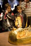 Mirando el sarcófago