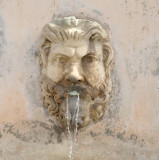spitting, Rome