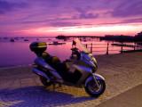 Awaiting  the  dawn  at  Swanage  seafront. reg.no. LA06 GWY