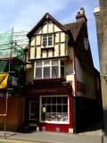 Nice  old  shop(pe)  in  Borough.