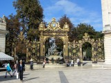 off the train early, we head for Stanislas square...