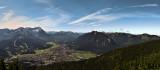 Panorama Garmisch-Partenkirchen mit Zugspitze, Blick von der Wank
