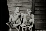 Mijn broer Her en ik ( met petje )