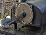 Break & speed control on very old locomotive