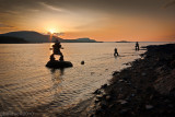 Cairns et coucher de soleil