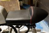 6923 seat mounted on base