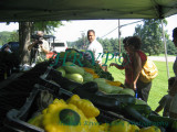IMG_0738.jpg- Hepworth Farms pick the produce the morning of