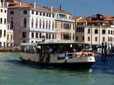 venezia-vaporetto.jpg
