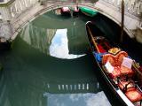 venezia-gondolareflection.jpg