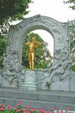 Statue of Johann Strauss 01
