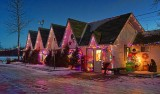 Country Christmas Shoppe 03998-9