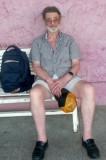 Eckhart wartet auf die Abfahrt des Zuges      P1020308.JPG