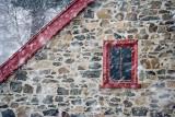 5756-3 La fenêtre soupçonneuse - Saint-Bruno - Québec