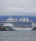Crown Princess( Passagers 3 080  )  116.oo Tonnes   951pi ( 290 m ) Pavillon Bermudes/ Port de of Québec