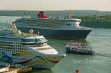 NORWEGIAN DAWN ( Pavillon ) Bahamas /  Pas 2,840 /QUEEN MARY 2 ( Pavillon ) Royaume - Uni / Pas 3,090 / Ferry Québec- Levis