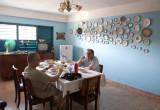 Carlos y Arturo desayunado en la casa de Santiago de Cuba