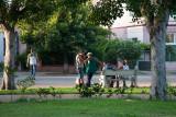 Planeando el día. Barrio de Miramar.  La Habana