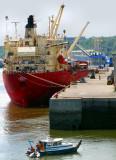 Cargo Artic au quai de l'anse Brown