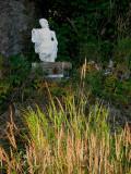 la statue dans l'ombre
