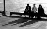 Trois ombres en noir et blanc