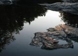 la roche à fleur d'eau