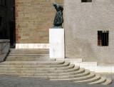 l'escalier à la statue