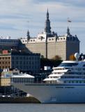 navire de croisière devant le vieux Québec