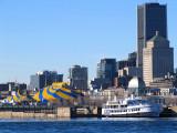 la tente jaune et bleu du cirque du soleil