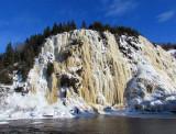 La falaise de glace de Riviere-du-Loup