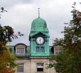clocher avec horloge