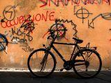 Lucques, la bicyclette noire du faschime