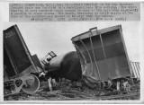 122972 train derails.jpg