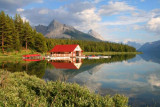 6684 Maligne Lake mirror.jpg