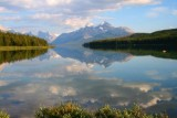6696 Lake Maligne mirror.jpg