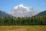 6758 Mount Robson.jpg