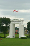 7023 Peace Arch Canada USA border.jpg