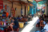 1974 Alleyway Hanoi.jpg