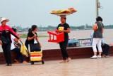 3583 Sweet seller Phnom Penh.jpg