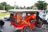3622 Monks Phnom Penh.jpg