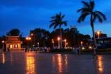 3700 Phnom Penh twilight.jpg