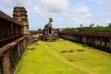 3930 Outer courtyard Angkor.jpg