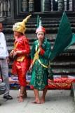 3942 Women in costume Angkor.jpg
