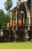 4350 Monks entering Angkor Wat.jpg