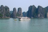 2462 Halong islands.jpg