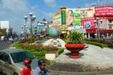 3137 Roundabout globe HCMC.jpg